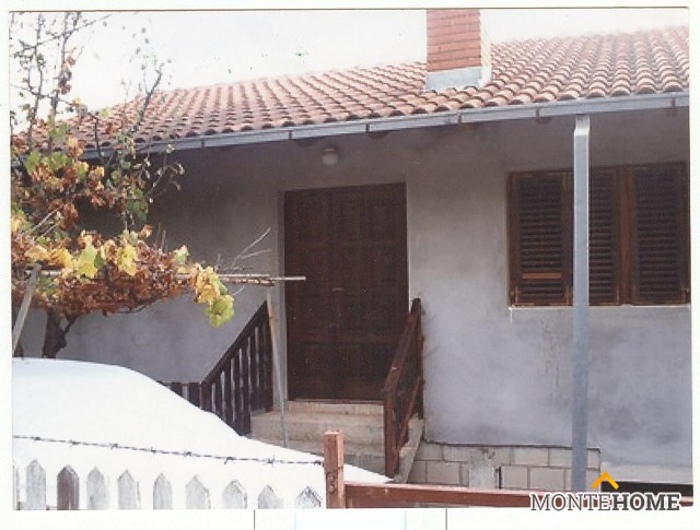 Buy a house in Camaiore cheap 3hetazhny